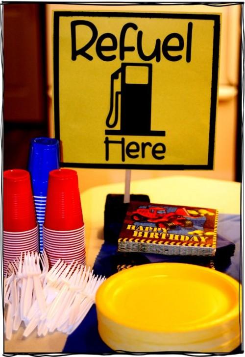Garage Decorating Ideas Birthday : Construction theme birthday party decor and food ideas