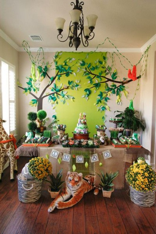Some astonishing diy birthday party ideas for zoo jungle for Animal party decoration