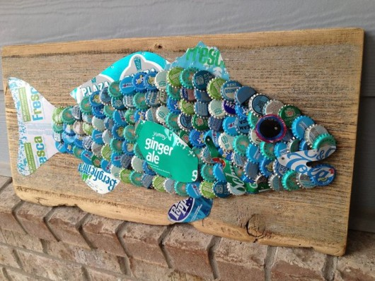 19 easy and striking diy bottle cap craft ideas diy for Bottle top art projects