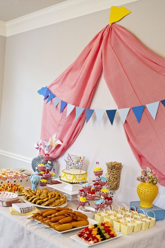 28 circus carnival themed birthday party ideas for kids diy craft ideas gardening - Decoration theme cirque ...
