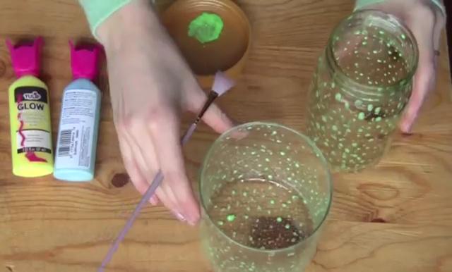DIY Glow in Dark Storage Jar (8)