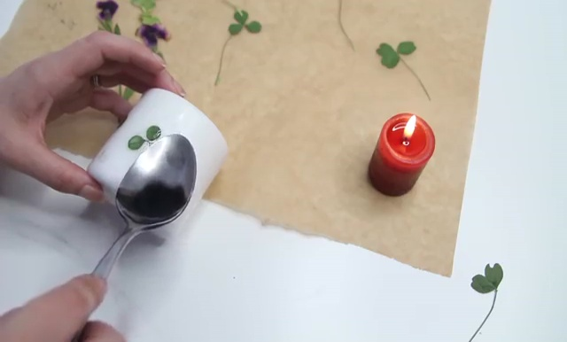 DIY Pressed flower candles (11)