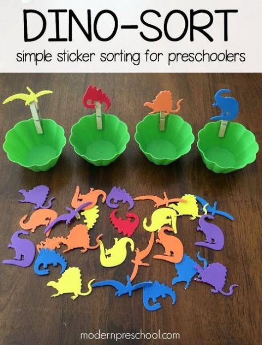 diy animal crafts 22 dinosaur craft activities and school project ideas. Black Bedroom Furniture Sets. Home Design Ideas