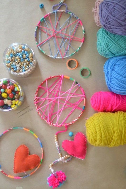 Diy crafts simple pretty yarn craft ideas for kids for Crafts for girls age 9