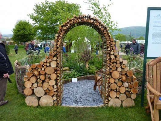 Diy garden ideas garden arch and bench ideas for an for Simple diy garden designs