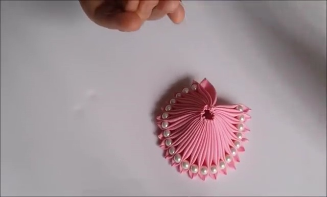 How to Ribbon Flower with Pearl Beads (22)