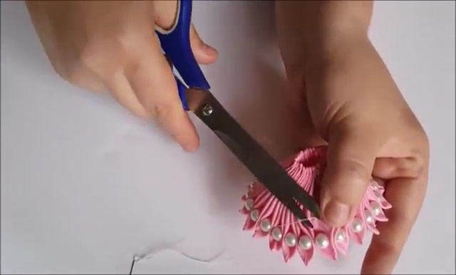 How to Ribbon Flower with Pearl Beads (25)