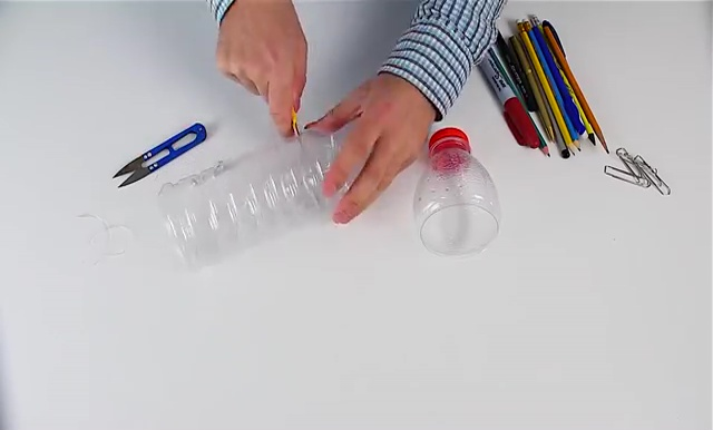 Recycled Plastic Bottle Craft (28)