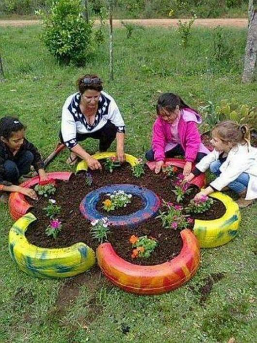 DIY Garden Ideas: 37 Recycled Stuff Gardening and Garden Art Decors ...