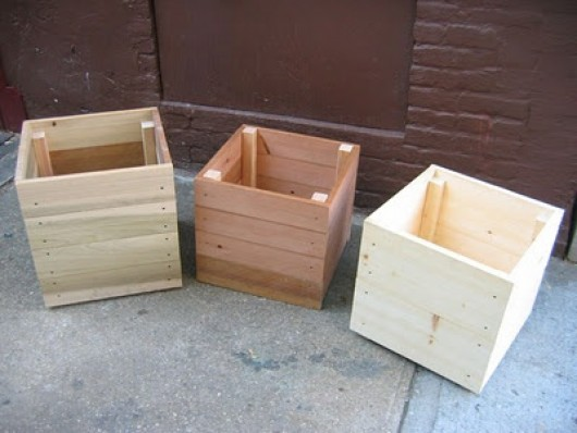 Some simple ideas on how to craft diy planter boxes diy for Wooden garden planter designs