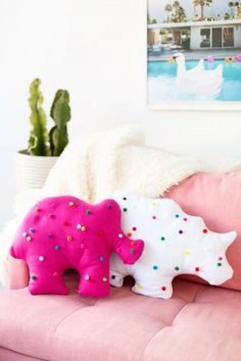 DIY-Animal-Pillow