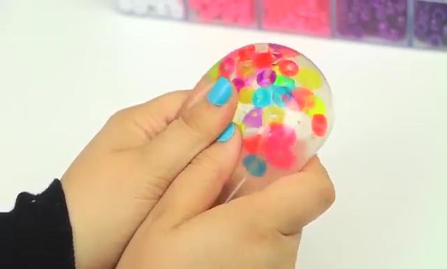 DIY Glitter Liquid Orbeez Stress Ball (12)