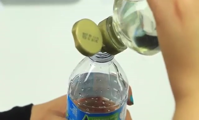 DIY Glitter Liquid Orbeez Stress Ball (14)