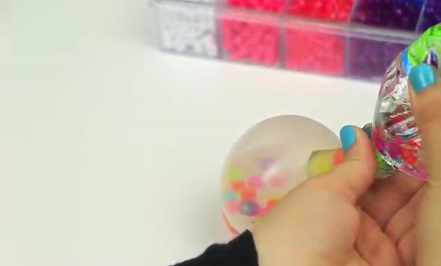 DIY Glitter Liquid Orbeez Stress Ball (19)