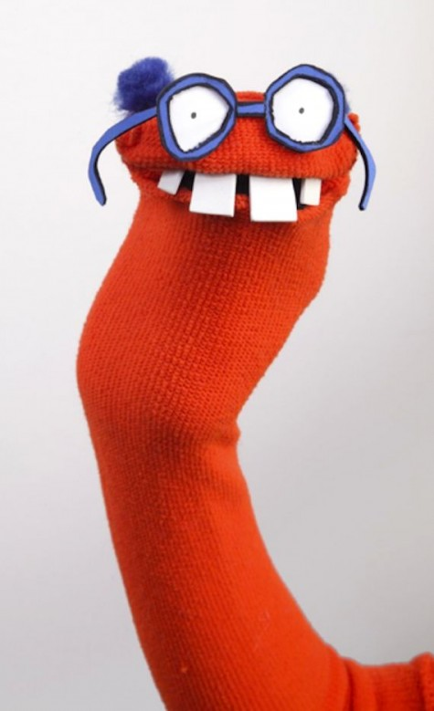 DIY-How-to-make-sock-puppets