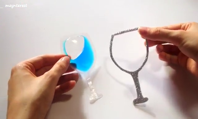 DIY Phone case with Wine glass water (37)