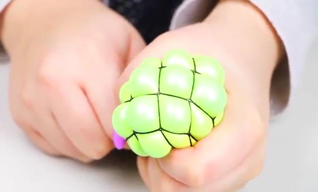 DIY Slime stretchy stress ball (16)