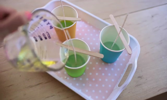 DIY how to make crayon watermelon candles (10)