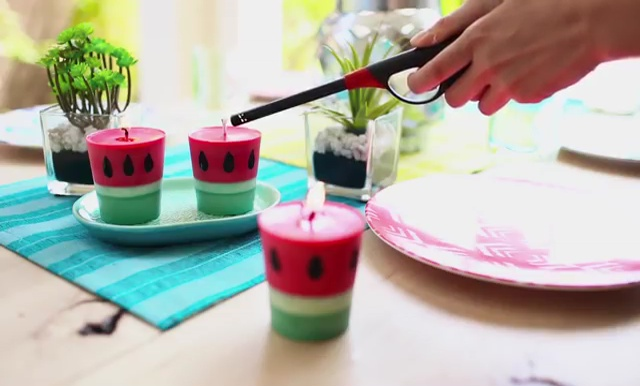 DIY how to make crayon watermelon candles (17)