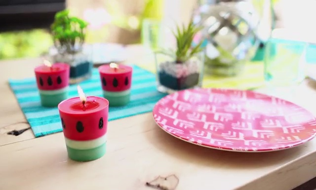 DIY how to make crayon watermelon candles (18)