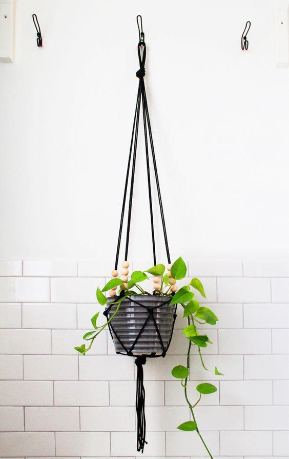 diy-hanging-planter-pots-9