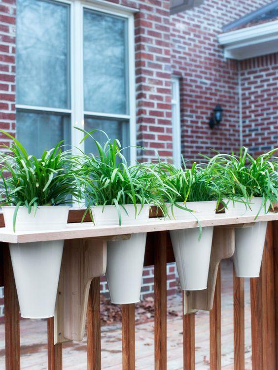 diy-railing-planter-4