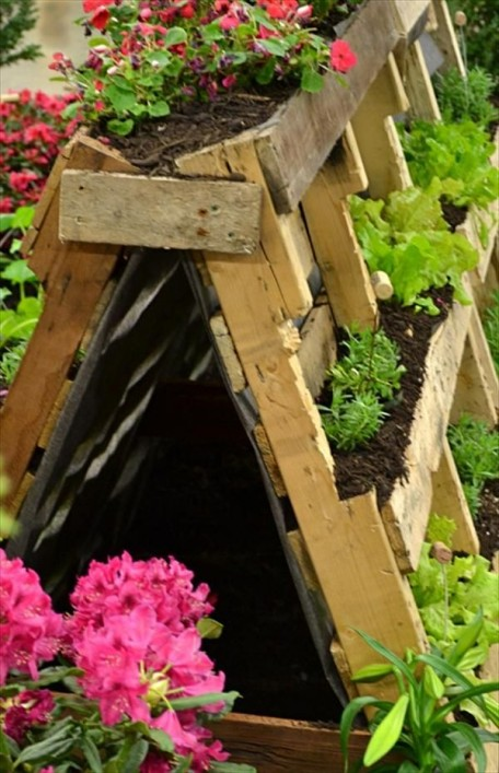 DIY recycled planter box
