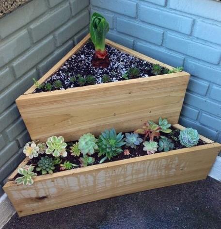 DIY recycled planter box