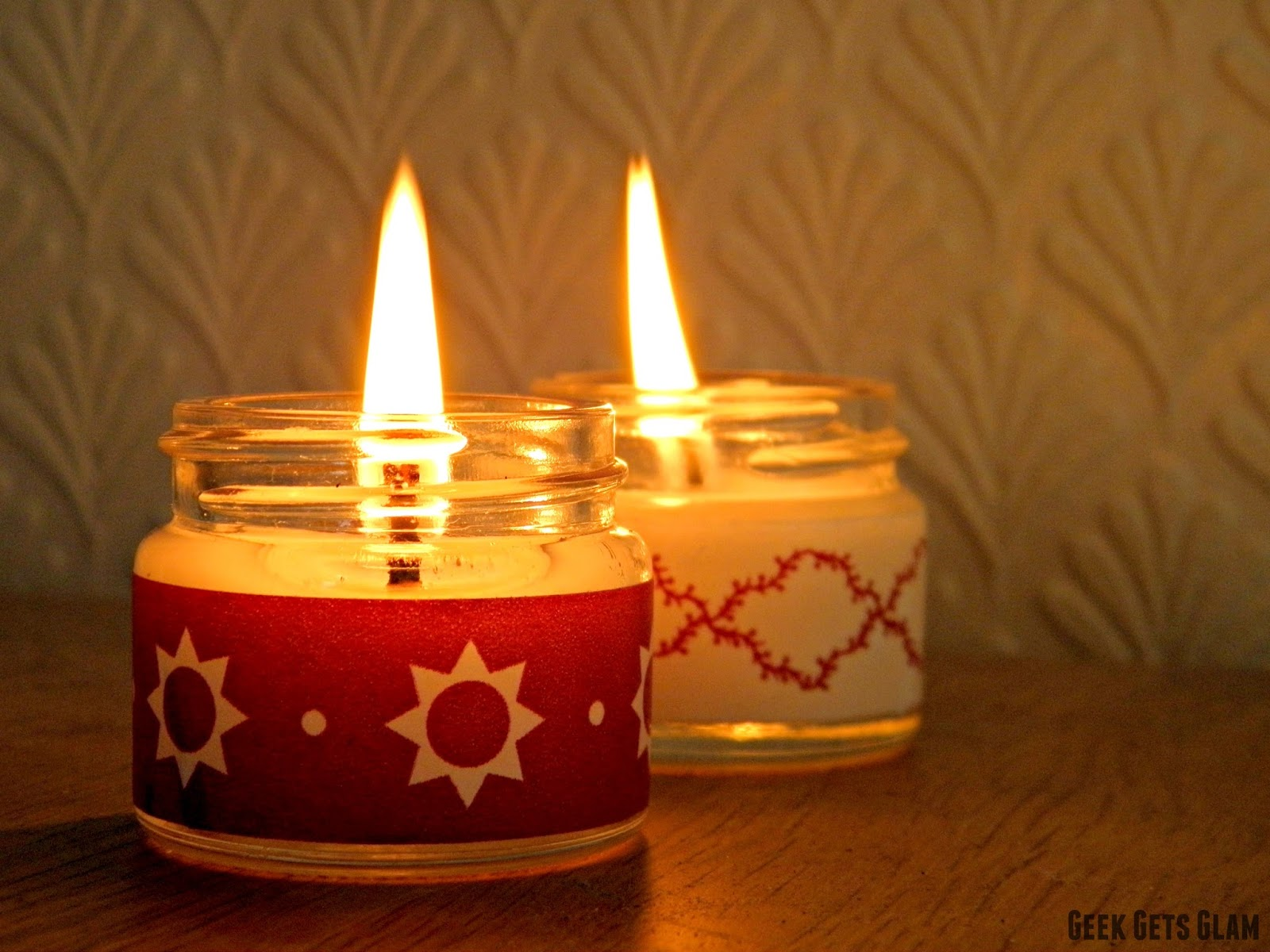 Spread the holy light 14 diy christmas candles decor for Christmas candle displays