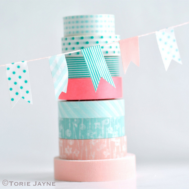 Diy washi tape craft ideas 37 washi tape organizer and arts for Crafts with washi tape