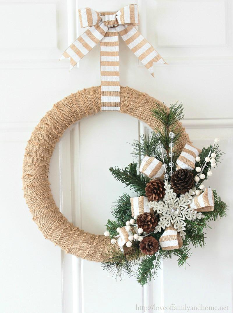 Warm & Sweet Christmas Wreaths: #29 DIY Wreaths and Inspiration Ideas
