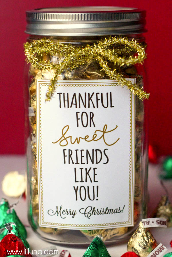 44 inexpensive christmas gifts diy gift ideas and inspiration mason jar christmas gift ideas diy solutioingenieria Images
