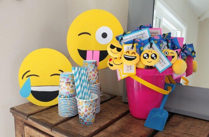 DIY Emoji Crafts: #42 Step by Step Emoji Ideas & Party