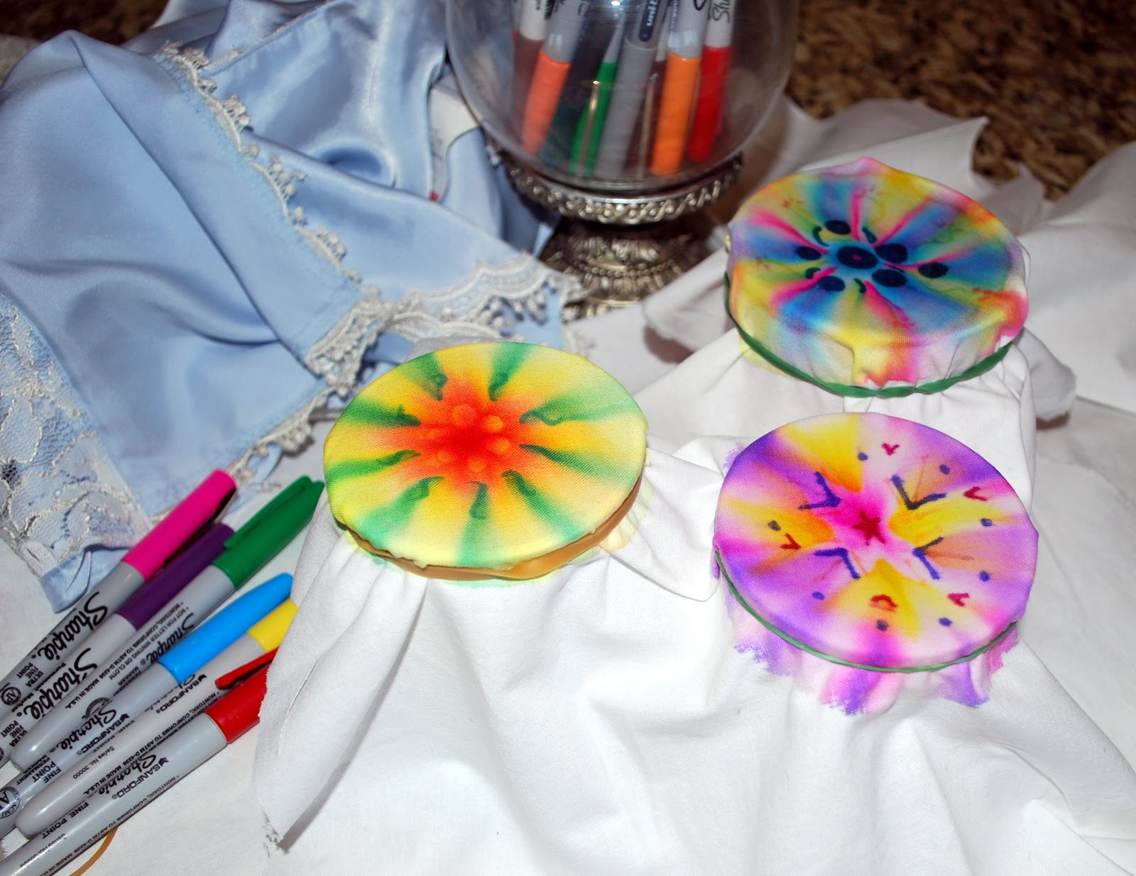 28 Diy Sharpie T Shirts Shoes And Pillows Sharpie Love