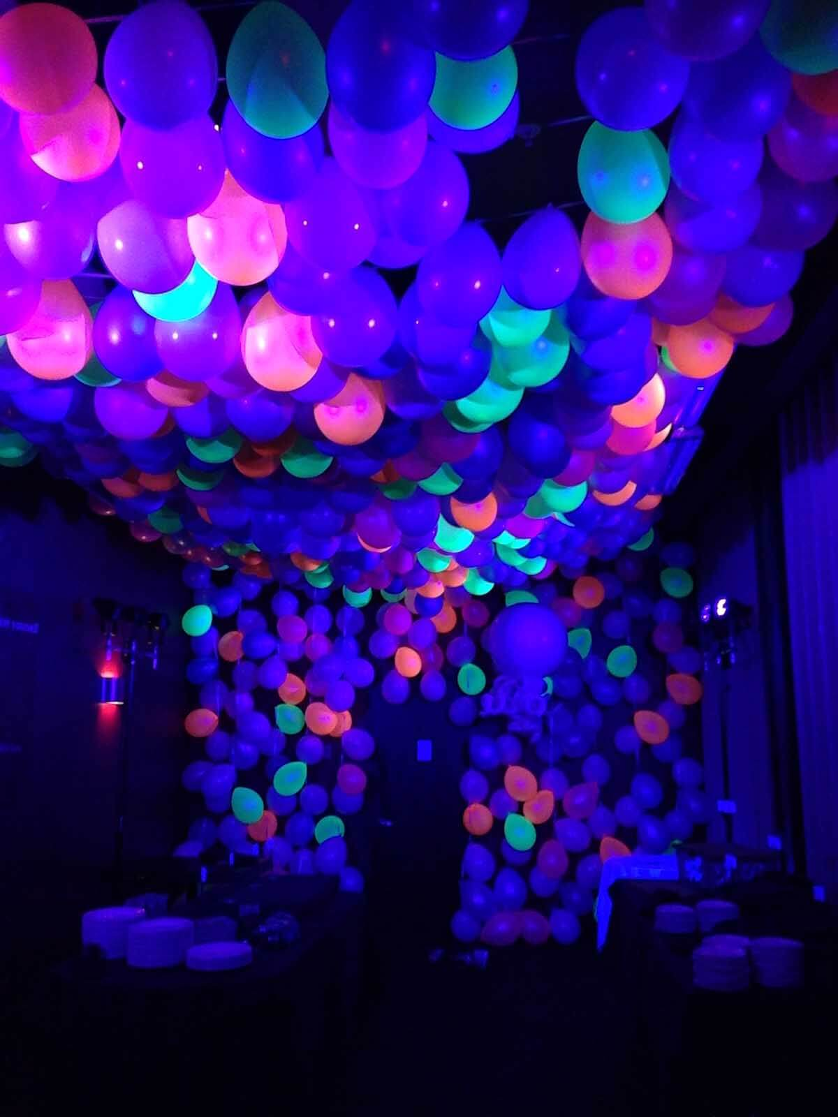 45 Glow In The Dark Party Ideas Neon Night Glow Party